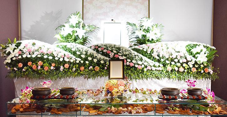 美しいアクリル花祭壇