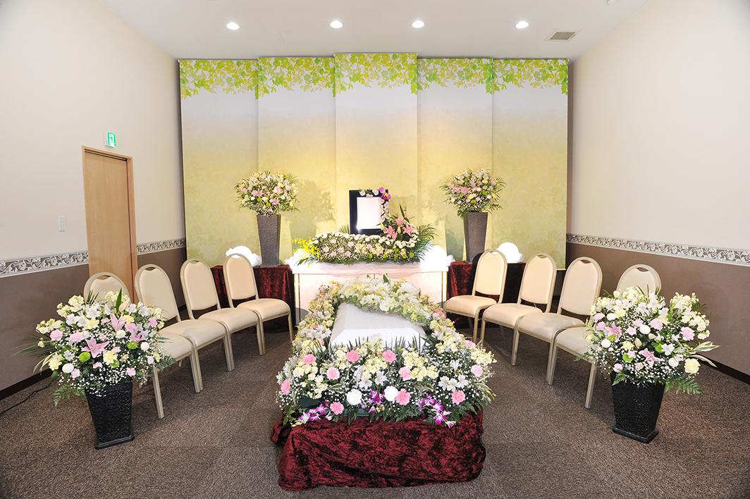 故人様をお花で囲んだ「家族葬」もご好評頂いております