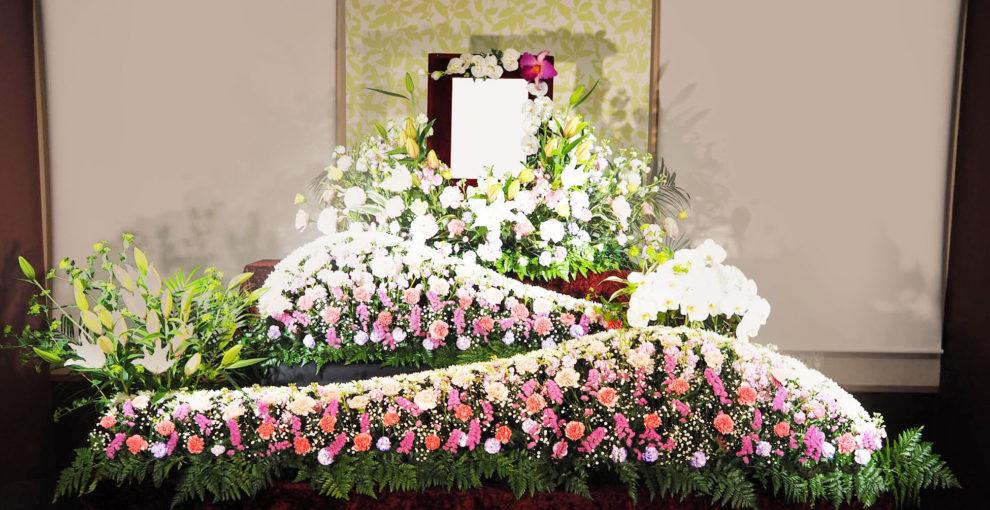 家族葬プラン 祭壇例